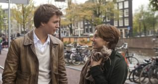 DF-21199r Hazel (Shailene Woodley) and Gus (Ansel Elgort) are two extraordinary teenagers who share an acerbic wit, a disdain for the conventional, and a love that sweeps them -- and us - on an unforgettable journey.