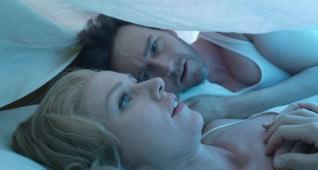Edward Norton as ŇMikeÓ and Naomi Watts as ŇLesleyÓ in BIRDMAN. Courtesy Fox Searchlight Pictures. Copyright © 2014 Twentieth Century Fox.
