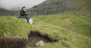 184-vikander-wenders-submergence
